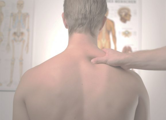 4 Tips for Dealing with Back Pain While Travelling