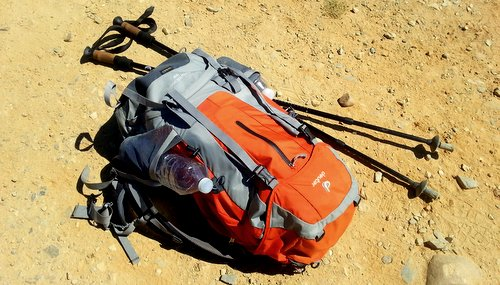 backpack-1062702_1920