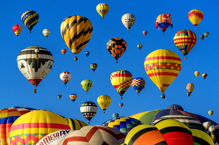 hot-air-balloons-1867279